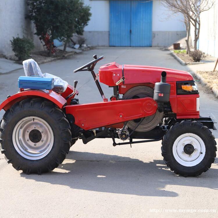 多缸四驱四轮拖拉机 柴油动力拖拉机 涡轮增压大马力拖拉机